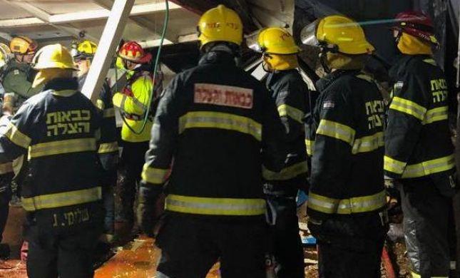 נזקי הגשם: אדם נהרג מקריסת קיר בטון בירושלים