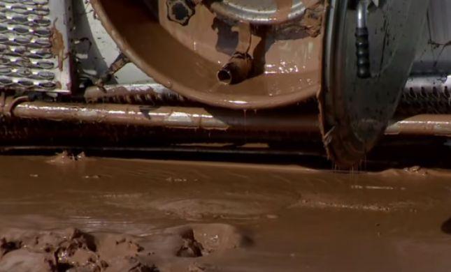 אסון מתוק: טון שוקולד נוזלי הציף כביש