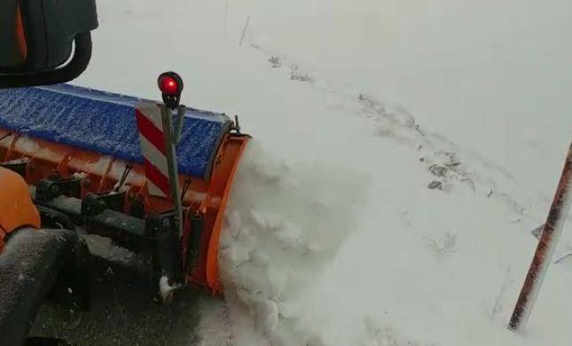 מרהיב: שלג ראשון החל להיערם בחרמון. צפו