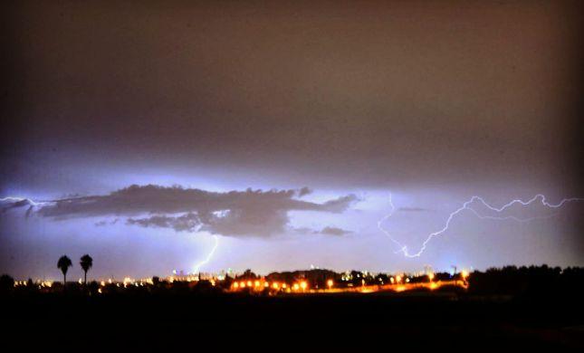 """בסופ""""ש: סוער, גשום וקר: התחזית המלאה- בפנים"""