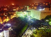 תיעוד:אלפים התפללו הלילה בקבר יוסף ובמערת המכפלה