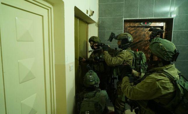 """צה""""ל פשט על יו""""ש: עשרות מחבלי חמאס נעצרו. צפו"""