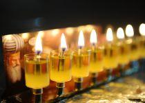 מתי מדליקים נרות חנוכה? הלכות חנוכה לפי כל העדות