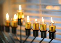 אנטישמיות בבלגיה: חנוכייה שהוצבה על רכב הושחתה