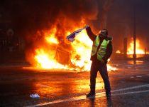 """צרפת בוחנת: """"גורמים זרים גייסו מפגינים למחאות"""""""