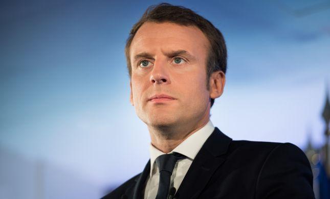 לקראת נאומו: נשיא צרפת קיים פגישת חירום