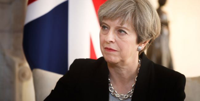 """השלטון בבריטניה: """"נשמח לדחות את הצבעת הפרישה"""""""