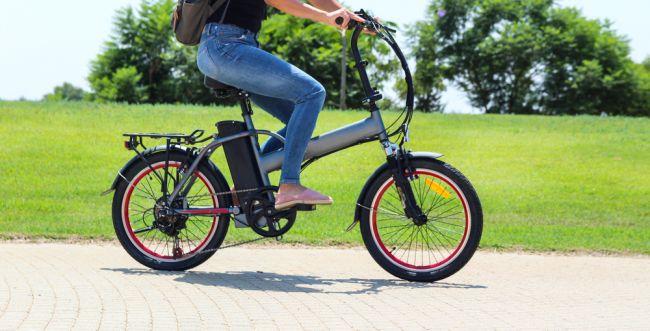 הגזירה החדשה שנוחתת על רוכבי האופניים החשמליים