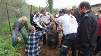 """ארץ ישראל יפה, טיולים, מבזקים מרגש: נטע ח""""י תמרים עם אלו שהצילו את חייו"""