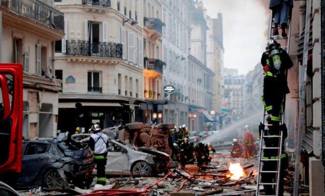 אסון בפריז: 2 הרוגים ועשרות פצועים בפיצוץ גז