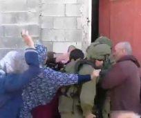 חדשות, חדשות צבא ובטחון, מבזקים מורשת איזנקוט: לוחמינו חוטפים מכות מפלסטיניות