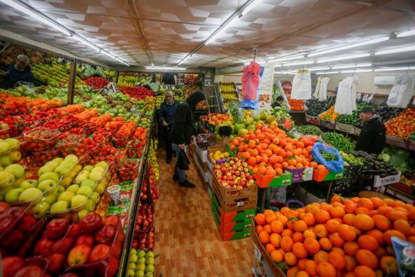 """ט""""ו בשבט: כל פרי שאנו אוכלים מצמיח אותנו; צפו"""