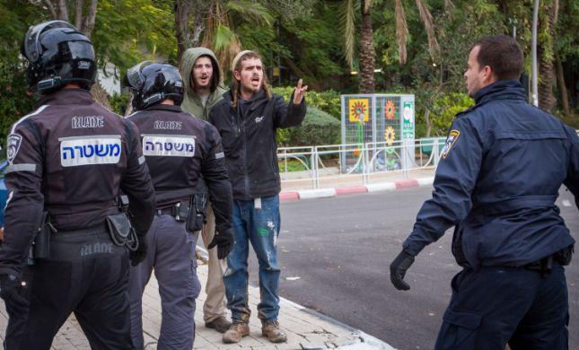 """הנערים העצורים לא הובאו לדיון, העו""""ד יצאו במחאה"""