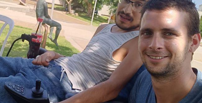חוסן לחבר: מספרים על אבינעם שנלחם על חייו