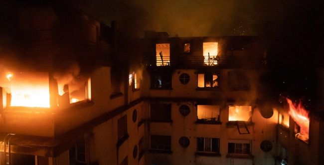שריפה בפריז: 10 הרוגים בעקבות חשש להצתה