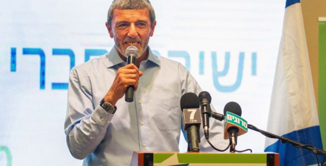"""הרב פרץ: """"אפעל בממשלה בכל המישורים נגד הטרור"""""""