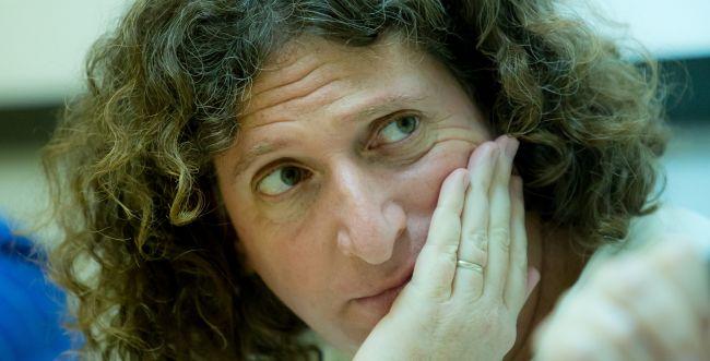 """המשורר אליעז כהן: """"יש לזעוק זעקה ולקרוע קריעה"""""""