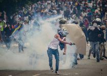 המחאה בונצואלה מחריפה: 285 פצועים בעימות בגבול
