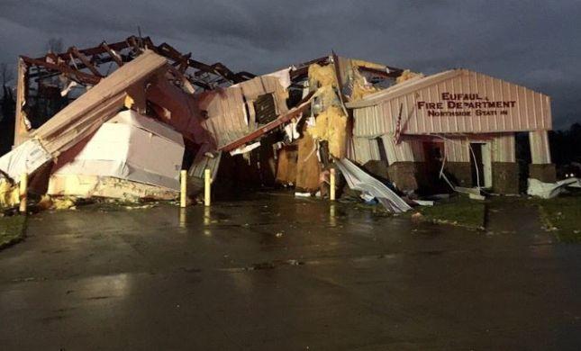 """אסון בארה""""ב: 23 הרוגים, בהם ילדים, בסופת טורנדו"""