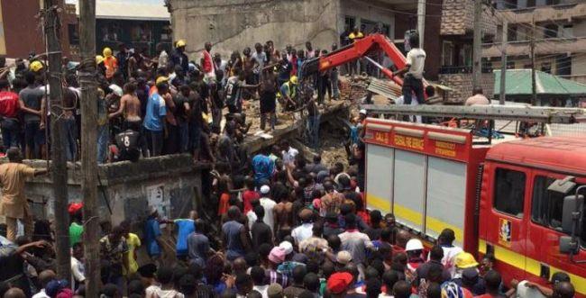 ניגריה: עשרות לכודים בקריסת בניין, בהם ילדים