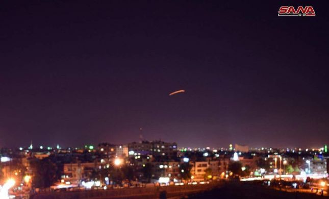 דיווח בסוריה: ישראל תקפה לפחות 10 יעדים צבאיים