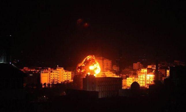 """תיעוד: צה""""ל מפציץ את מטה המודיעין של חמאס בעזה"""