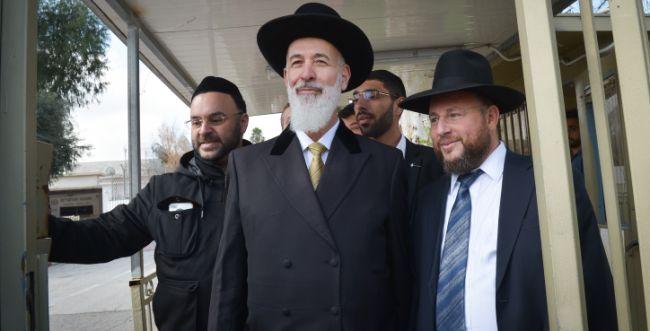 הרב הראשי לשעבר יונה מצגר שוחרר מהכלא