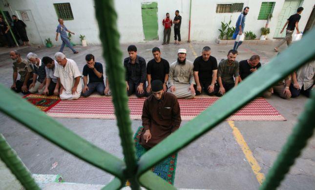 פיגוע בקציעות: אסירי חמאס דקרו שני סוהרים