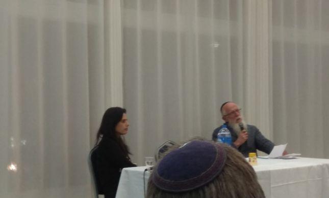 """הרב מדן בנוכחות שקד: """"עדיף להצביע לבית היהודי"""""""