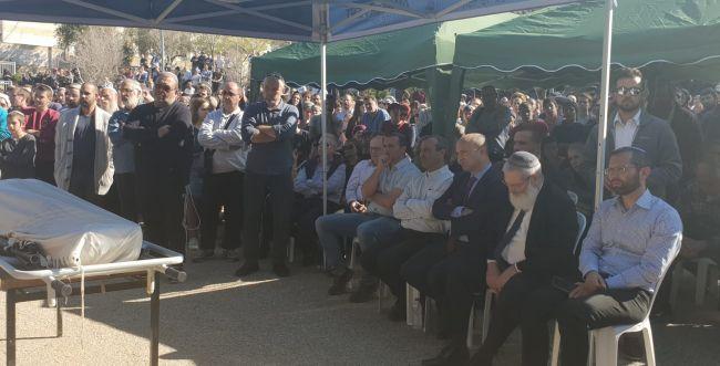 """אלפים ליוו למנוחות את הרב אחיעד אטינגר הי""""ד"""