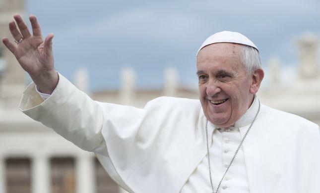 לראשונה: האפיפיור יבחן את התנהלות הוותיקן בשואה