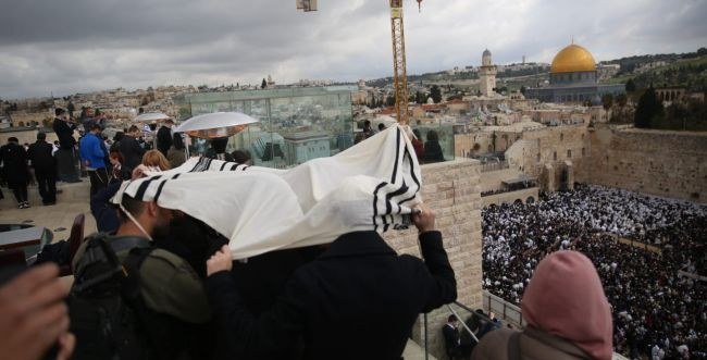 מרהיב: 100 אלף איש בברכת כוהנים בכותל. גלריה