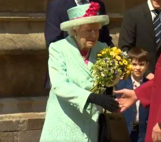 דיבור נשי, סרוגות צפו: בריטניה מאחלת יום הולדת שמח למלכה
