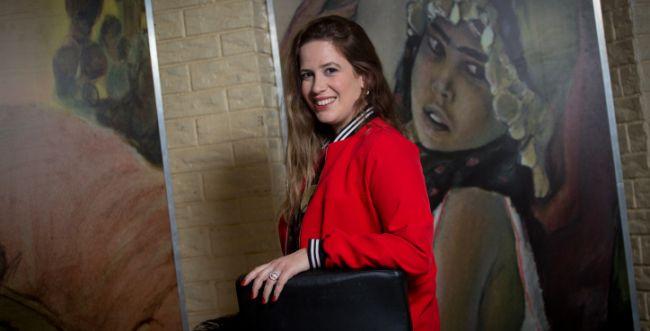 אשת התקשורת הסרוגה מצטרפת לישראל היום