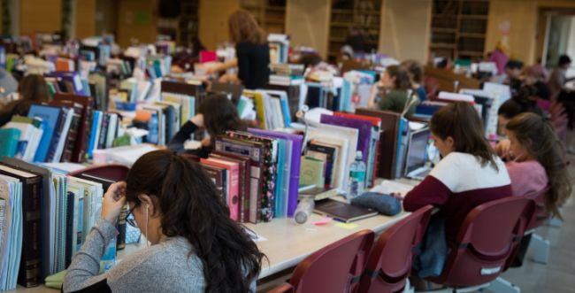 הרב אבינר: מה אסור ומה מותר לנשים ללמוד?