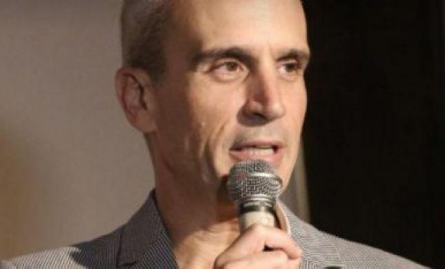 אברי גלעד: עם ישראל נחלק לשניים בגלל יחס לאדם אחד