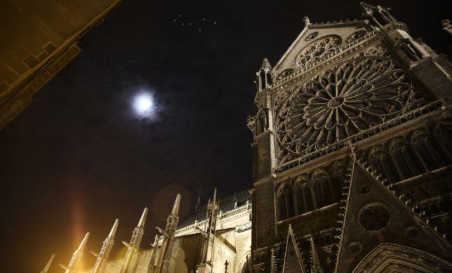 האם יש להצטער על שריפת הכנסיה בנוטרדאם?