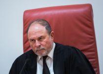 """מינוי דנציגר לוועדה לבחירת שופטים """"תקדים מסוכן"""""""