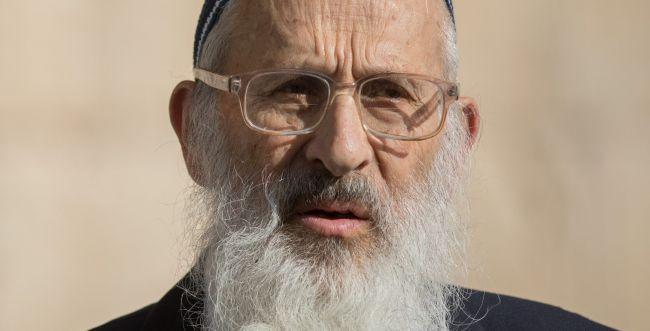 """הרב אבינר במאמר חריף נגד בנט: """"גונב מדינה ומכרה"""""""