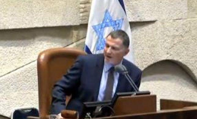 צפו: יולי אדלשטיין מתפוצץ על סתיו שפיר