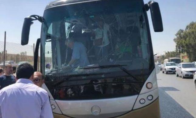 מצרים: 17 פצועים בפיצוץ באוטובוס תיירים בגיזה