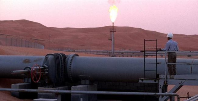 """סעודיה: """"צינור נפט נפגע מתקיפת מל""""טים"""""""