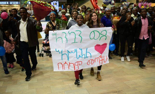 בין סיפור העליה מאתיופיה לסיפורם של ניצולי השואה