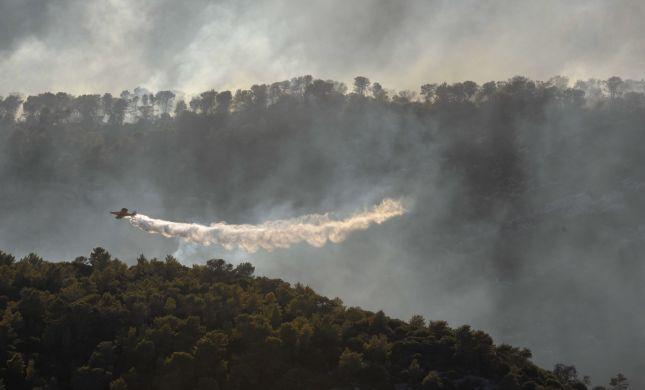 """גל השריפות: """"עלינו לפעול לסיוע אווירי בינלאומי"""""""