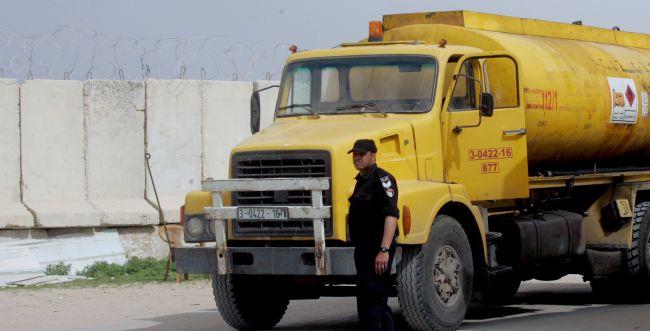 טירוף • גם בזמן הירי: ישראל המשיכה להכניס דלק לעזה