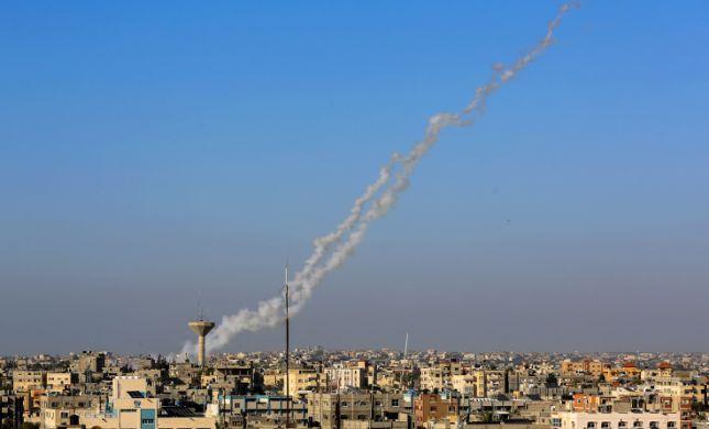 """הירי חזר: 2 רקטות שוגרו מעזה, צה""""ל תקף ברצועה"""