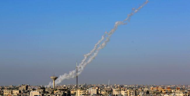 """שיגור אחד נורה לישראל, 3 פצמ""""רים נפלו בעזה"""