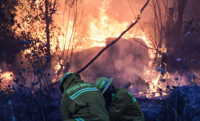חשד: נפילת קו חשמל הובילה לשריפה בהראל