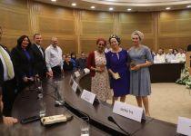 צפו: מדליקי המשואות מקבלים את מדליית הכנסת