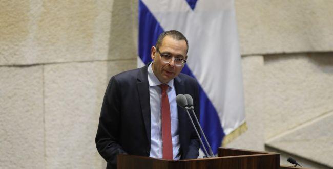"""צבי האוזר בנאום הבכורה: """"ישראל תפעל לפירוז עזה"""""""